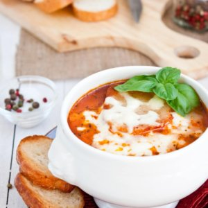 An easy crockpot soup recipe is just what you need on a chilly fall day! This crockpot lasagna soup is an easy and healthy recipe. Crockpot soup recipes are the easiest way to have a warm comfort food dinner on your table with hardly lifting a finger! #souprecipes #comfortfood #crockpotsouprecipes #fallsouprecipes #fallsoups #healthysouprecipes